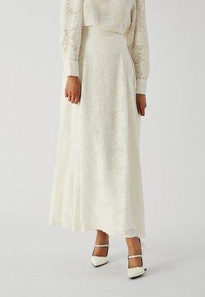 Falda larga - snow white