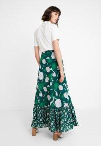 IVY & OAK - BOHEMIAN SKIRT - Maxi skirt - evergreen - 2