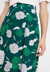 IVY & OAK - BOHEMIAN SKIRT - Maxi skirt - evergreen - 4