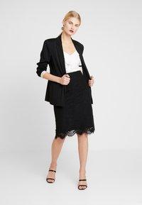 IVY & OAK - PENCIL SKIRT REPEAT - Pencil skirt - black - 1