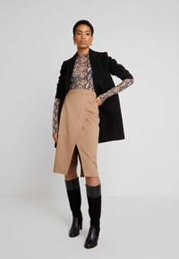 IVY & OAK - PENCIL SKIRT - Jupe crayon - dark toffee - 1