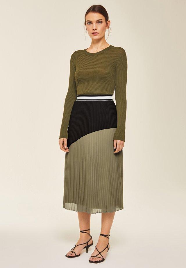A-line skirt - sage green