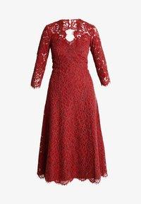 IVY & OAK - OPEN BACK FLARED - Vestito elegante - rusty red - 5