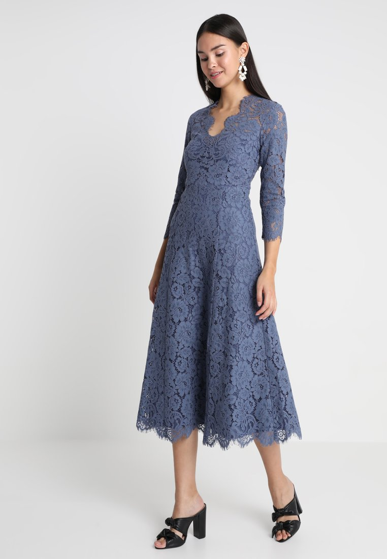 IVY & OAK - OPEN BACK FLARED - Vestido de cóctel - vintage blue
