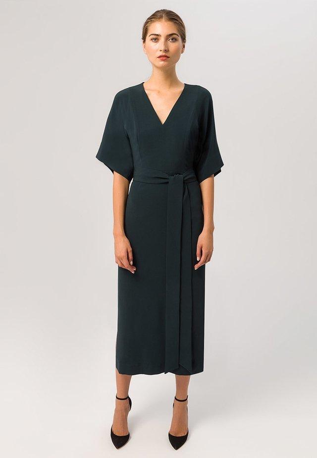KIMONO DRESS - Maxiklänning - bottle green