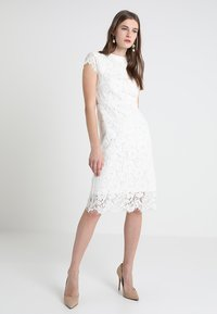 IVY & OAK - DRESS - Vestido de cóctel - snow white - 0