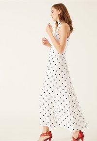 IVY & OAK - AMERICAN SHOULDER DRESS - Robe longue - white - 1