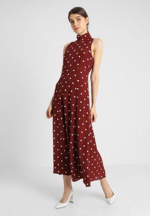 AMERICAN SHOULDER DRESS - Maxikjole - rusty red