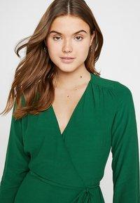 IVY & OAK - WRAP DRESS - Robe longue - eden green - 3