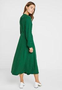 IVY & OAK - WRAP DRESS - Robe longue - eden green - 2