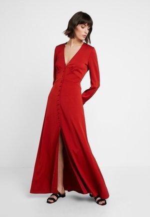 Festklänning - red clay