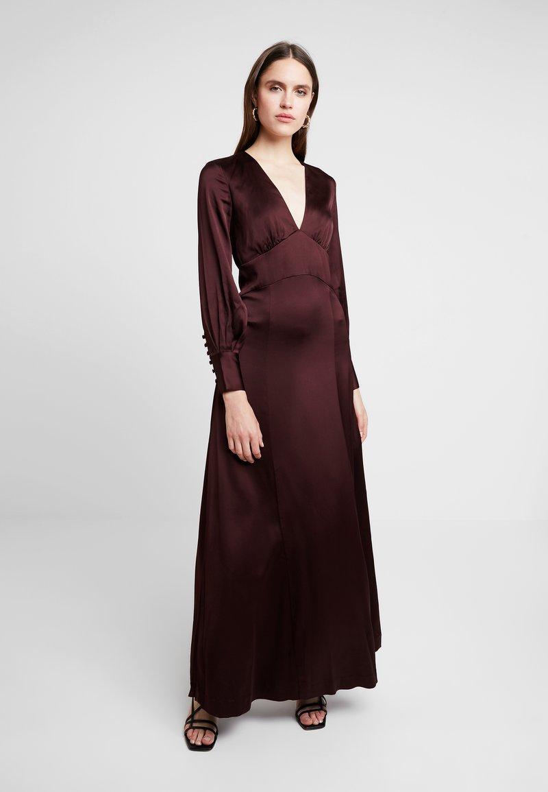 IVY & OAK - DRESS LONG SLEEVE - Ballkleid - rouge noir