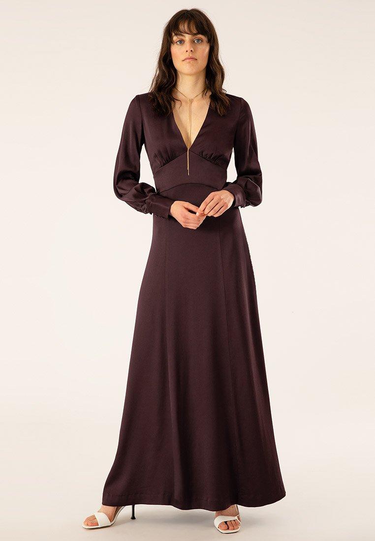 IVY & OAK - DRESS LONG SLEEVE - Robe de cocktail - rouge noir