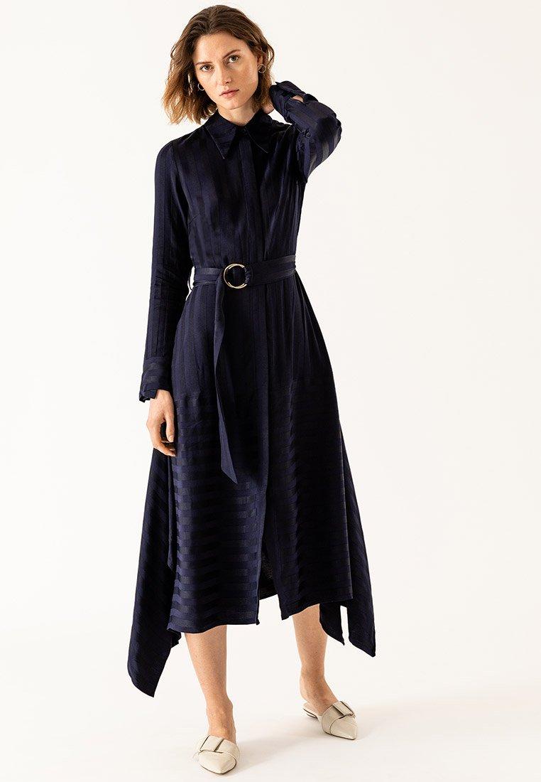 IVY & OAK - Robe longue - blue