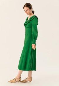 IVY & OAK - Robe longue - secret garden green - 3