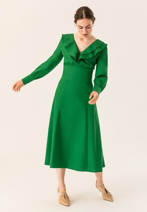 Robe longue - secret garden green
