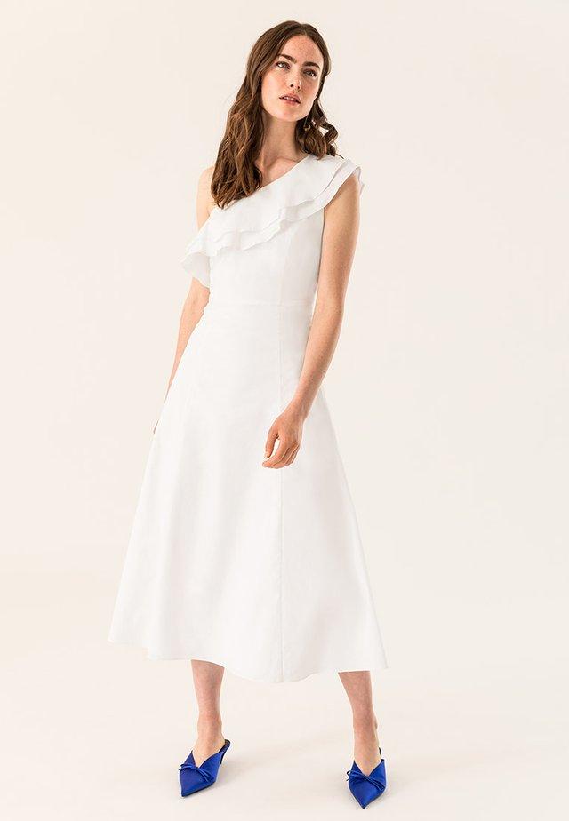 ONE SHOULDER VALANCE DRESS - Vestido largo - bright white
