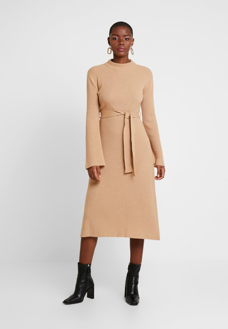 IVY & OAK - MIDI DRESS - Jumper dress - winter camel