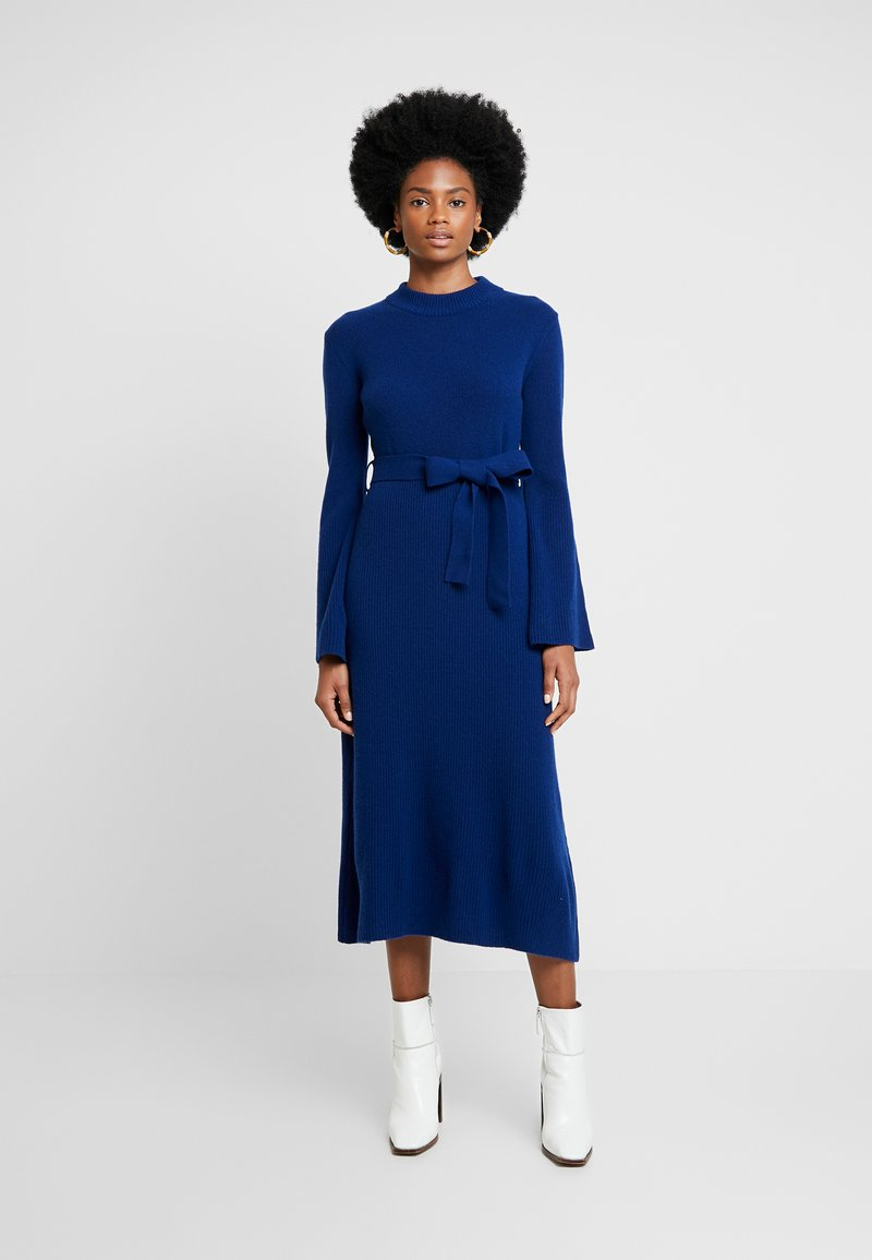 IVY & OAK - MIDI DRESS - Sukienka dzianinowa - blue iris