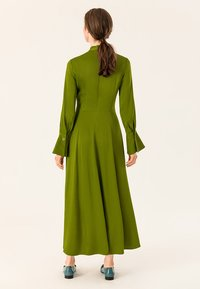 IVY & OAK - MIT BINDESCHLEIFE - Robe longue - irish green - 2