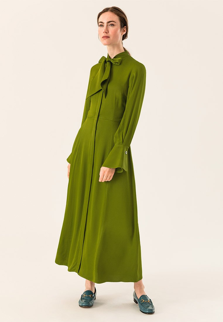 IVY & OAK - MIT BINDESCHLEIFE - Robe longue - irish green