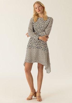 MIT BLUMENPRINT - Sukienka letnia - vanilla