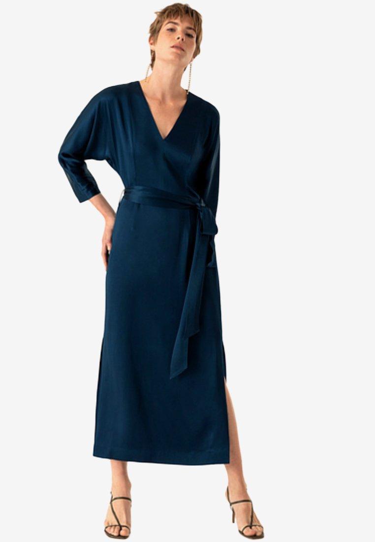 Oak Blue Haze Robe LongueNew Ivyamp; BxWrdCoe
