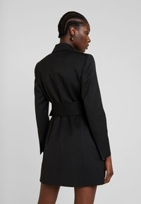 IVY & OAK - WITH BELT - Denní šaty - black - 3