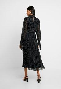 IVY & OAK - PLEATED DRESS - Vestito estivo - black - 2