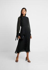 IVY & OAK - PLEATED DRESS - Vestito estivo - black - 1