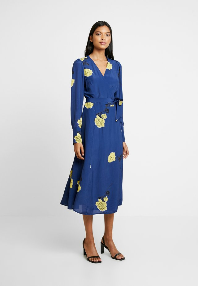 WRAP DRESS MIDI - Freizeitkleid - blue