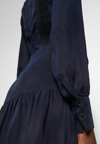 IVY & OAK - MIX DRESS MIDI - Korte jurk - navy blue - 4