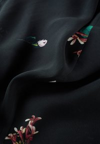 IVY & OAK - PRINTED DRESS - Vestito lungo - black - 4