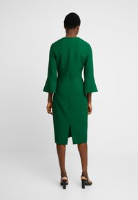 IVY & OAK - TRUMPET SLEEVE DRESS - Sukienka etui - eden green - 3