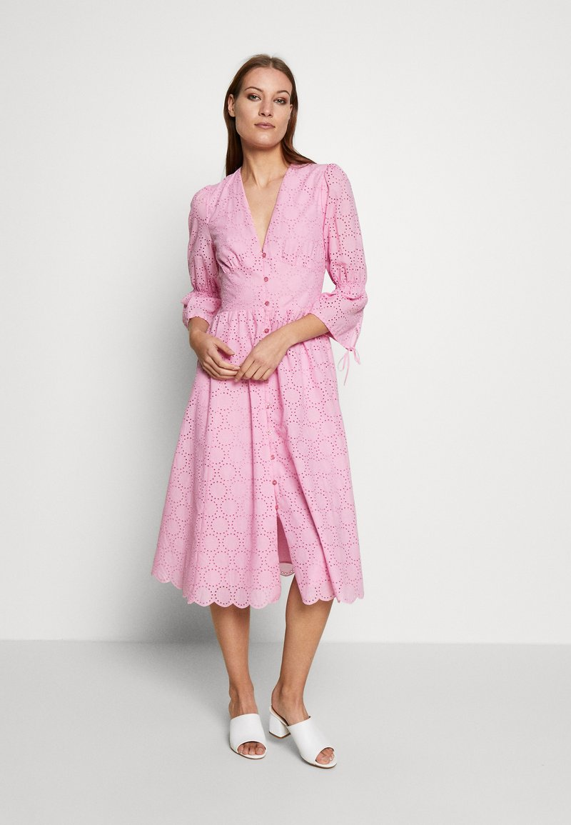 IVY & OAK - BROIDERY ANGLAISE DRESS - Korte jurk - blush