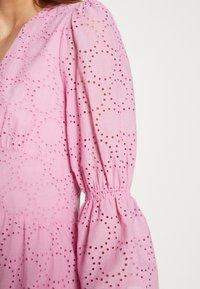 IVY & OAK - BROIDERY ANGLAISE DRESS - Korte jurk - blush - 5