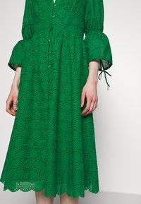 IVY & OAK - BROIDERY ANGLAISE DRESS - Day dress - secret garden green - 3