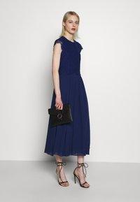 IVY & OAK - DRESS - Vapaa-ajan mekko - indigo - 1