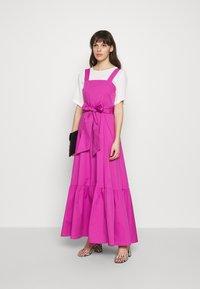 IVY & OAK - STRAP DRESS ANKLE LENGTH - Vestido informal - super pink - 2