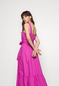 IVY & OAK - STRAP DRESS ANKLE LENGTH - Vestido informal - super pink - 5