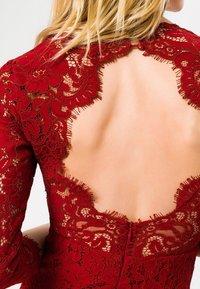 IVY & OAK - Vestido de cóctel - red - 4