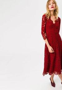 IVY & OAK - Vestido de cóctel - red - 0