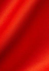 IVY & OAK - MIT SCHLEIFENDETAIL - Vapaa-ajan mekko - mandarin red - 5