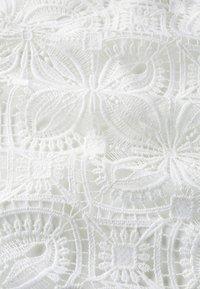 IVY & OAK - Robe longue - snow white - 4