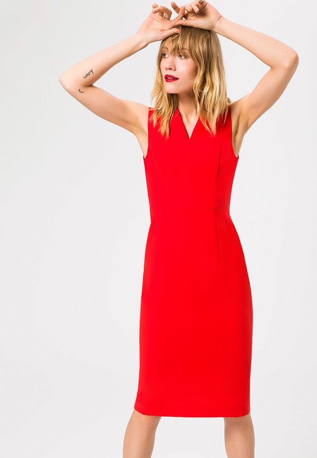 HIGH COLLAR COCKTAIL DRESS - Shift dress - red