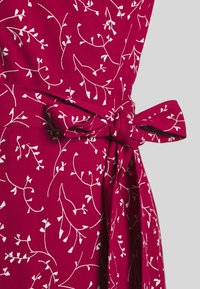 IVY & OAK - WRAP DRESS MIDI LENGTH - Freizeitkleid - cassis sorbet - 2