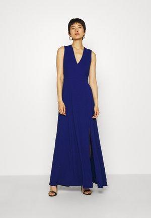 BACK SLIT DRESS MAXI - Suknia balowa - illuminated blue
