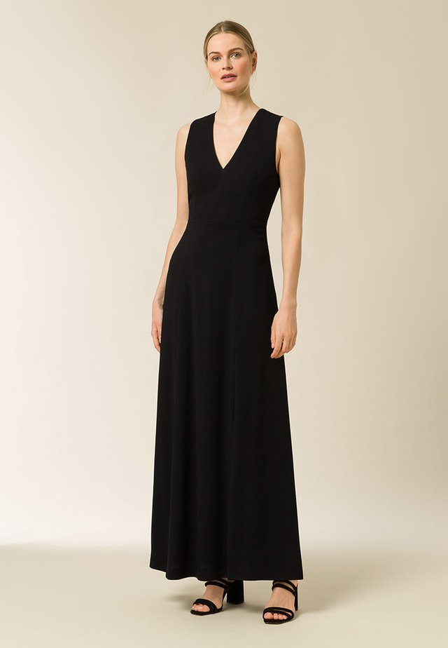 BACK SLIT DRESS MAXI - Iltapuku - black