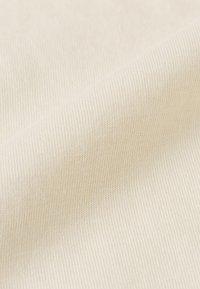 IVY & OAK - ROUND NECK - T-Shirt basic - light sand - 6