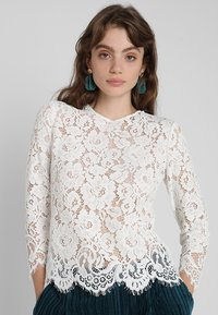 IVY & OAK - WITH SLEEVES - Pusero - white - 0